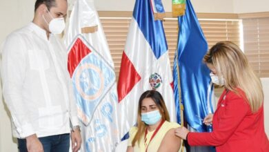 Photo of DIRECTOR PROMESECAL INSPECCIONA HOSPITAL Y CENTRO DE VACUNACIÓN.