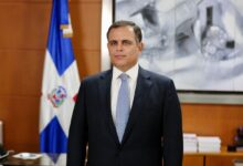 Photo of REPÚBLICA DOMINICANA OBTIENE CALIFICACIÓN BB- POR FITCH RATINGS  Y VALORA ESFUERZO DEL GOBIERNO.  JOCHY VICENTE MINISTRO HACIENDA RD